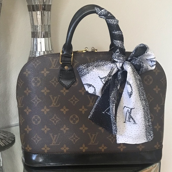 Louis Vuitton Handbags - Authentic Louis Vuitton Alma Pm